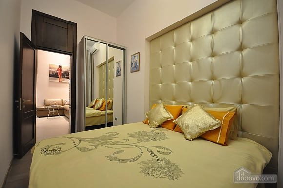 Роскошные двухэтажные апартаменты, 3х-комнатная (26314), 003