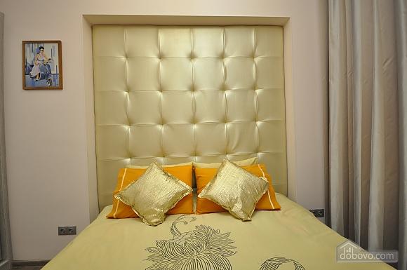 Роскошные двухэтажные апартаменты, 3х-комнатная (26314), 004