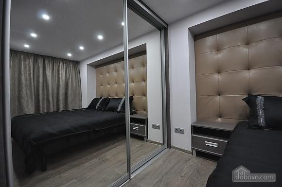 Роскошные двухэтажные апартаменты, 3х-комнатная (26314), 005