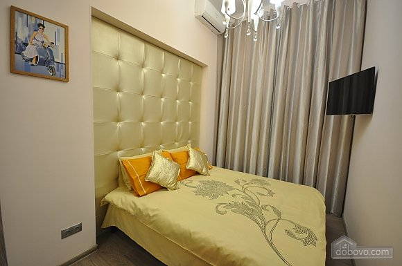 Роскошные двухэтажные апартаменты, 3х-комнатная (26314), 007