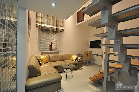 Роскошные двухэтажные апартаменты, 3х-комнатная (26314), 011