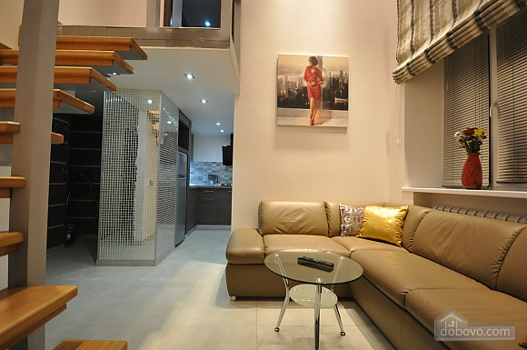Роскошные двухэтажные апартаменты, 3х-комнатная (26314), 001