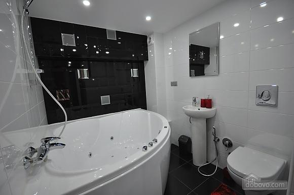 Роскошные двухэтажные апартаменты, 3х-комнатная (26314), 026