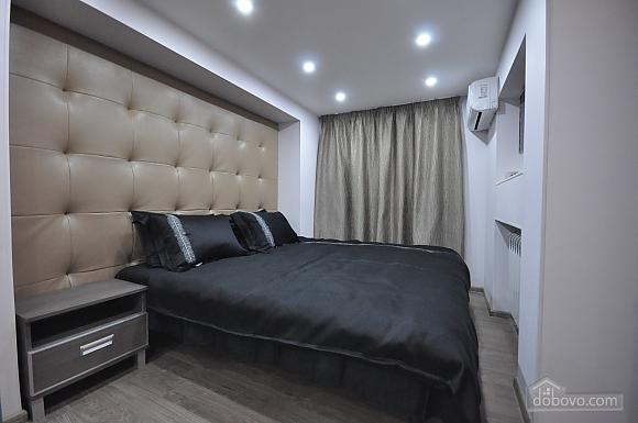 Роскошные двухэтажные апартаменты, 3х-комнатная (26314), 031
