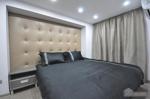 Роскошные двухэтажные апартаменты, 3х-комнатная (26314), 033