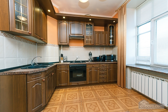 Beautiful apartment on Khreschatyk, Due Camere (69827), 002