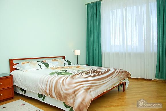 Квартира на Майдані Незалежності, 3-кімнатна (37587), 003