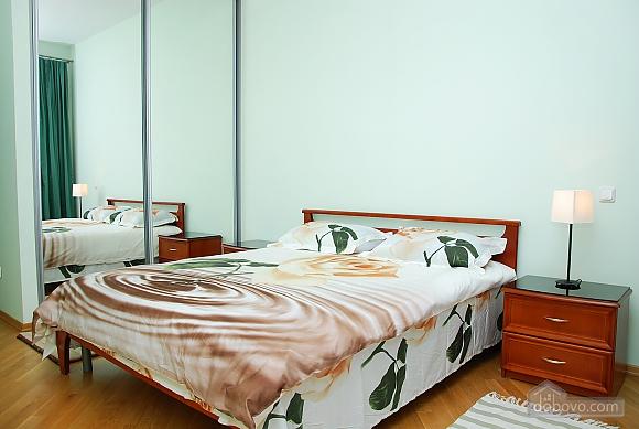 Квартира на Майдані Незалежності, 3-кімнатна (37587), 004