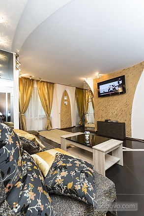 Квартира с сауной, 2х-комнатная (24490), 004