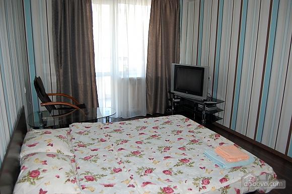 Apartment in the center, Studio (98016), 002
