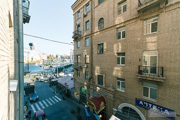 Квартира на Майдані Незалежності, 3-кімнатна (38378), 010
