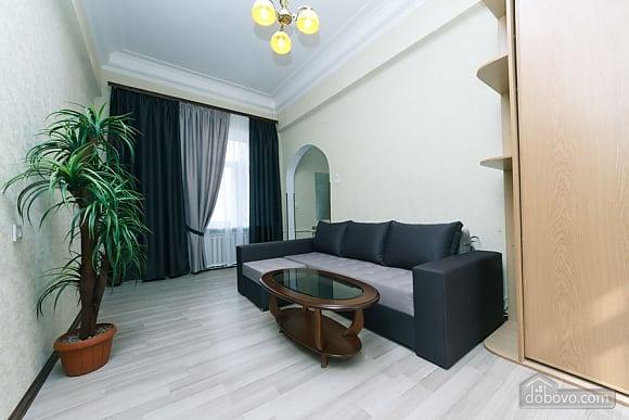 Квартира на Майдані Незалежності, 3-кімнатна (38378), 002