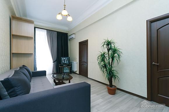 Квартира на Майдані Незалежності, 3-кімнатна (38378), 003