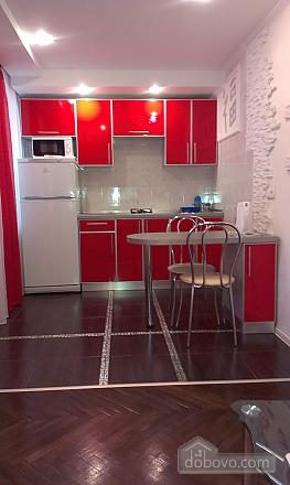 Люкс с джакузи, 2х-комнатная (31006), 004
