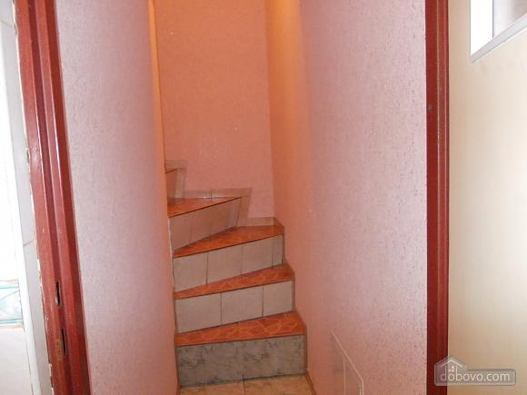 Квартира поряд із проспектом Свободи, 1-кімнатна (52839), 006