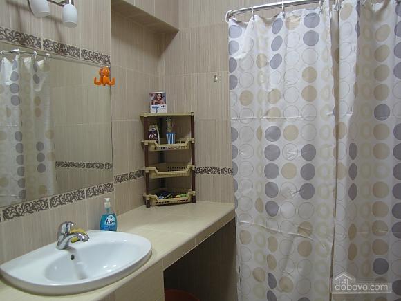 Квартира в центральній частині міста, 2-кімнатна (45871), 011