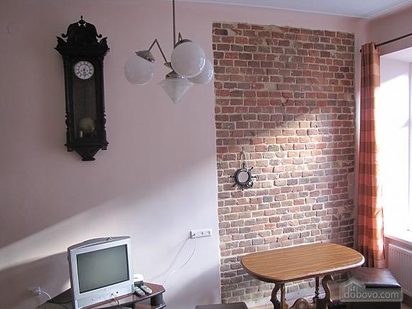 Квартира в центральній частині міста, 2-кімнатна (45871), 004