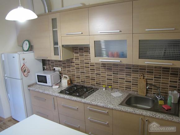 Квартира в центральній частині міста, 2-кімнатна (45871), 007