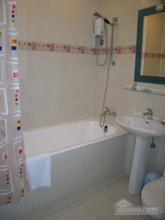 Квартира в бузкових кольорах з балконом, 1-кімнатна (12713), 002