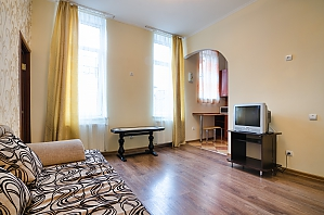 Historical center of the city, One Bedroom, 002