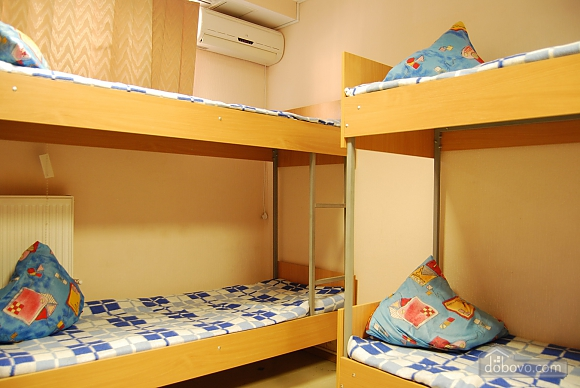 Прекрасний варіант для гостей міста, 1-кімнатна (46355), 001