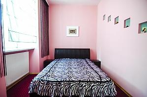 Apartment on Rynok square, Two Bedroom, 003