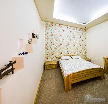Квартира на площади Рынок, 3х-комнатная (53152), 005