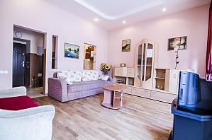 Apartment on Rynok square, Two Bedroom, 002