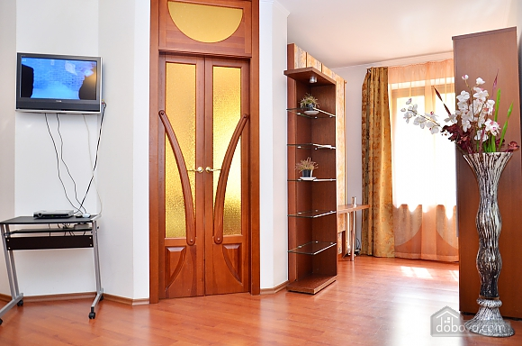 Apartment on the European Square, One Bedroom (36777), 002