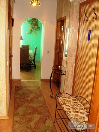 Apartment with private yard, One Bedroom (84507), 010