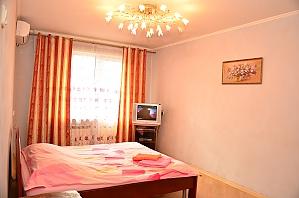 Apartment in Obolonskyi district, Studio, 002