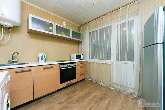 Доглянута чиста квартира біля метро, 1-кімнатна (36759), 001