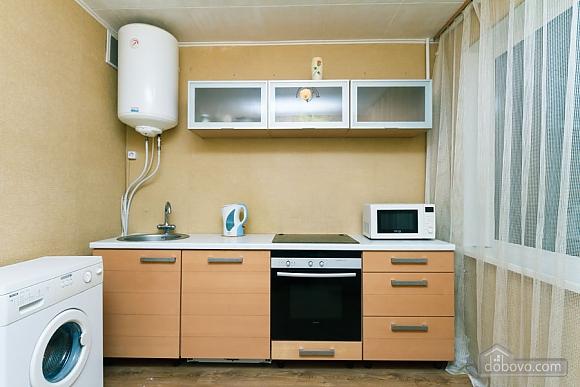 Доглянута чиста квартира біля метро, 1-кімнатна (36759), 003