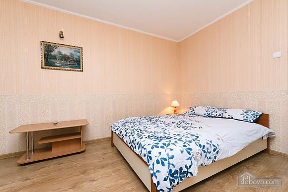 Доглянута чиста квартира біля метро, 1-кімнатна (36759), 004