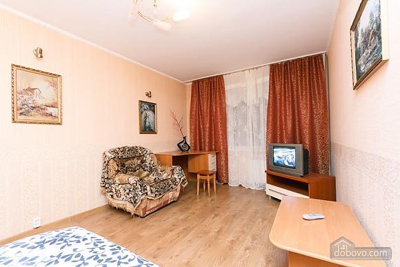 Доглянута чиста квартира біля метро, 1-кімнатна (36759), 005
