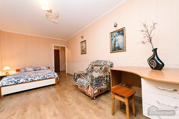 Доглянута чиста квартира біля метро, 1-кімнатна (36759), 006