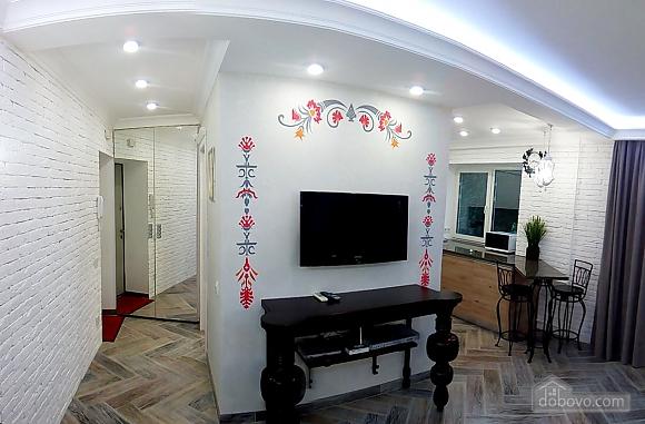Квартира на бульварі Лесі Українки, 2-кімнатна (64091), 001