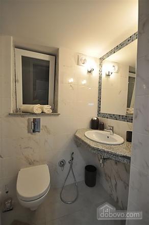 Apartment near Opera, Two Bedroom (68298), 026