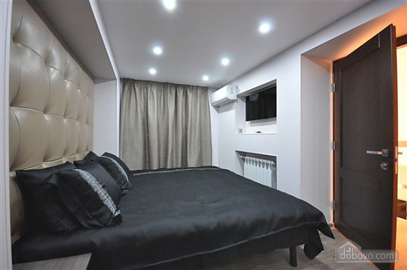 Apartment near Opera, Two Bedroom (68298), 041