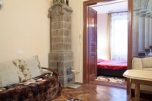The apartment is in the style of old Lviv, Zweizimmerwohnung, 002