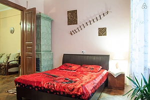 The apartment is in the style of old Lviv, Un chambre, 003