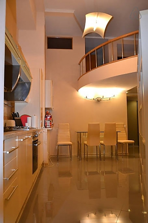 Duplex apartment on Bessarabka, Dreizimmerwohnung, 004