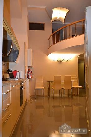 Двухуровневая квартира на Бесарабке, 3х-комнатная (23774), 004