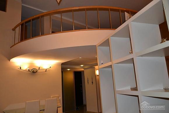 Двухуровневая квартира на Бесарабке, 3х-комнатная (23774), 008