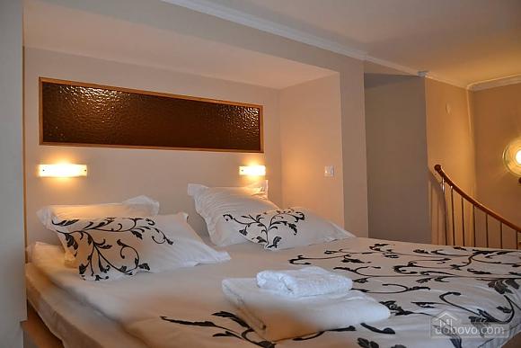 Двухуровневая квартира на Бесарабке, 3х-комнатная (23774), 001