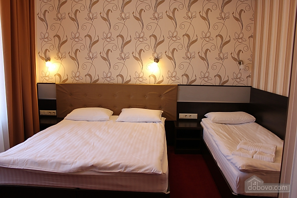 The hotel room, Studio (45896), 001