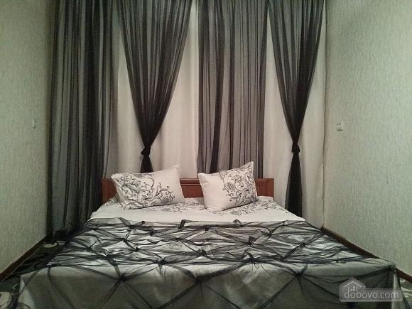 Квартира возле парка Александрия, 2х-комнатная (23407), 001