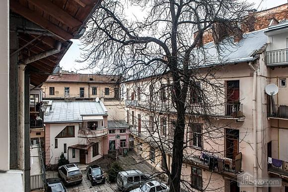 Apartment in the city center, Studio (29030), 011