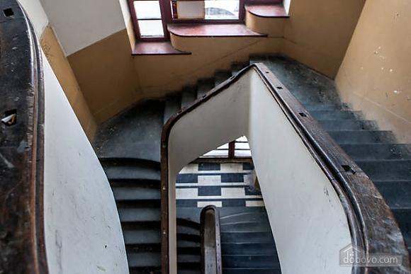 Apartment in the city center, Studio (29030), 016