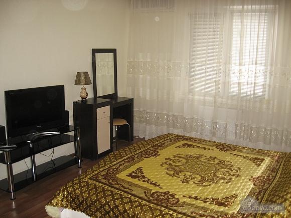 Квартира у новому будинку, 1-кімнатна (91383), 003